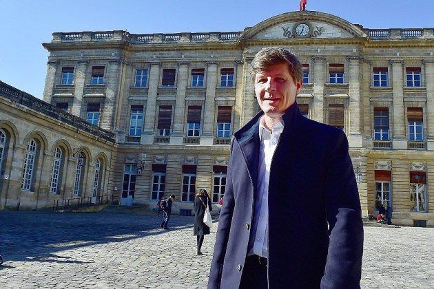 Bordeaux: la majorité proposera Nicolas Florian comme successeur à Juppé, Calmels quitte la politique (entourage Juppé)
