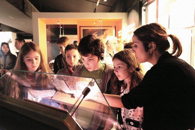 Au Mémorial de Caen, des visites guidées, en famille