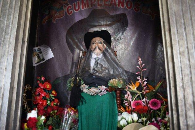 """San Simon, le """"saint"""" guatémaltèque qui veille sur les migrants"""