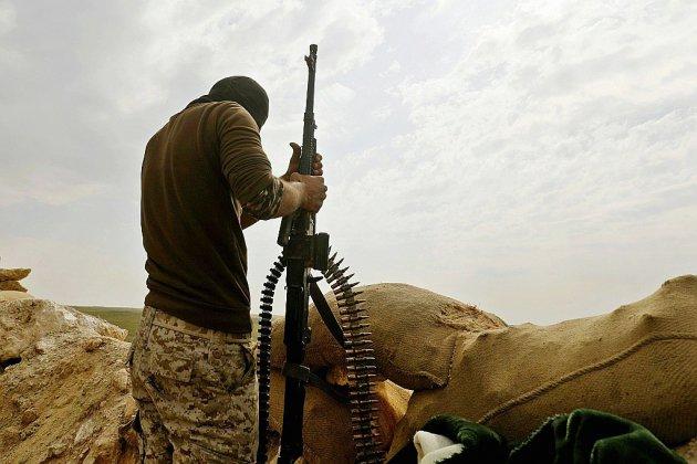 Syrie: l'EI résiste dans sa dernière poche face aux forces kurdo-arabes