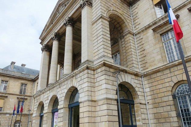 Grand débat: remise des cahiers de doléances en Seine-Maritime