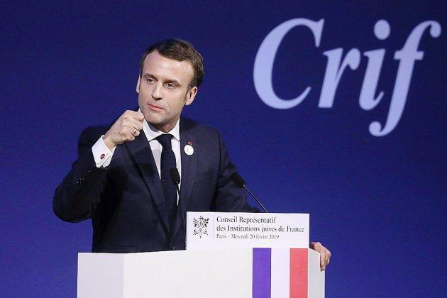 """Antisémitisme en France: Macron dénonce une """"résurgence"""" inédite depuis 1945"""