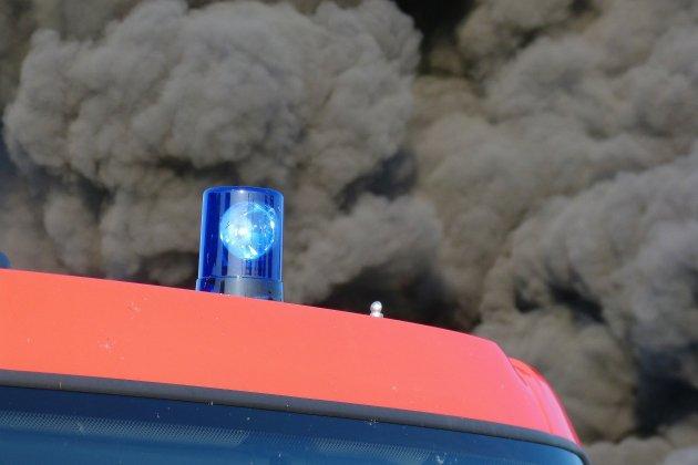Deux incendies dans l'Orne: un bâtiment agricole et une longère en feu