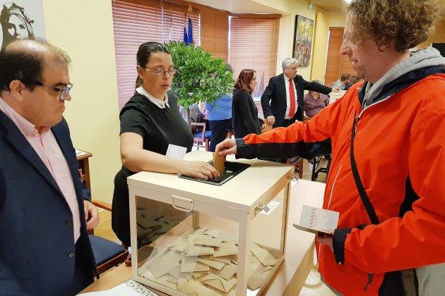 Mouvement des gilets jaunes: on vote à Gonfreville-l'Orcher
