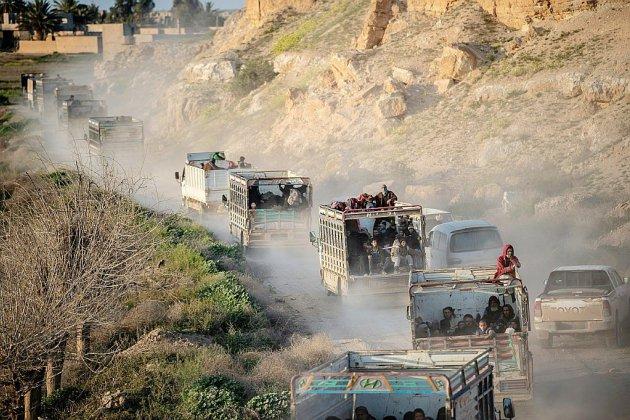 Syrie: l'offensive anti-EI au ralenti, nouvelles évacuations en perspective