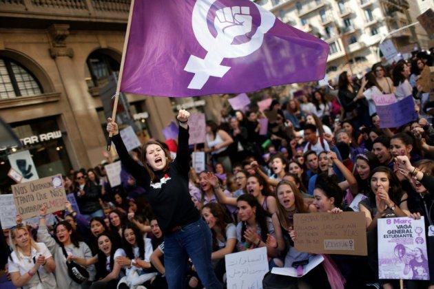 Espagne: grève féministe et manifestations massives pour le 8 mars