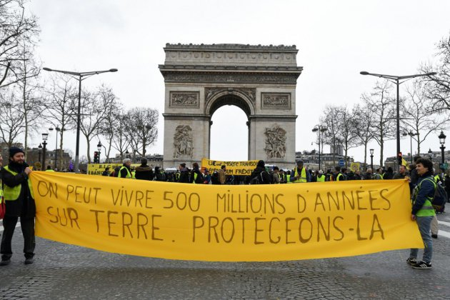 """Gilets jaunes"": des manifestations disparates aux revendications multiples"