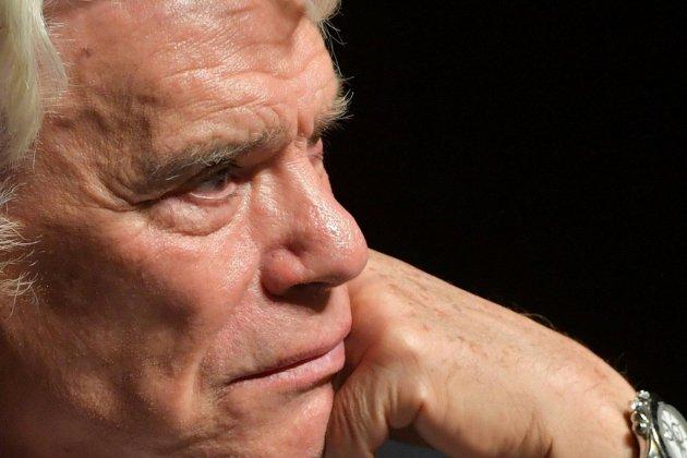 """Arbitrage: le procès de Bernard Tapie pour """"escroquerie"""" s'est ouvert à Paris"""