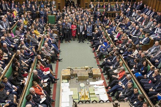 """Brexit: les députés britanniques votent sur le """"no deal"""""""