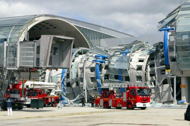 Effondrement mortel à Roissy en 2004: ADP condamné à 225.000 euros d'amende, la peine maximale