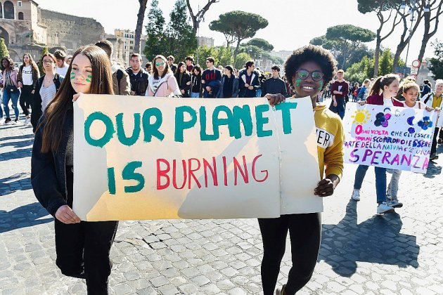 Climat: les jeunes dans la rue pour interpeller leurs gouvernements