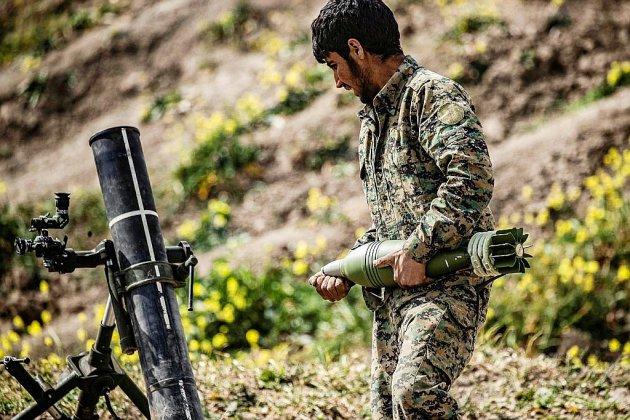 Syrie: les forces antijihadistes consolident leur étau autour du réduit de l'EI