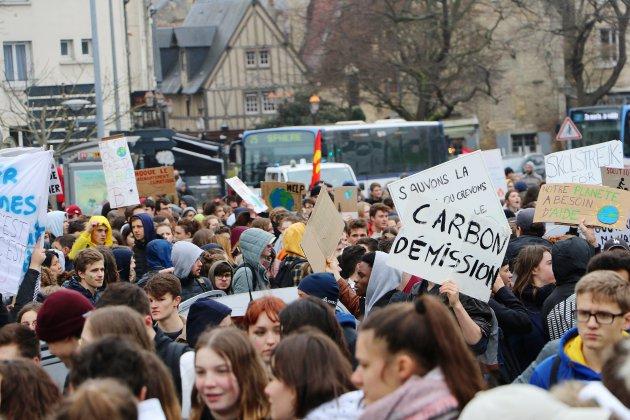 Caen: la marche pour le climat réunit 2000 jeunes