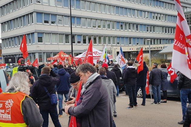 300 manifestants dans les rues d'Alençon