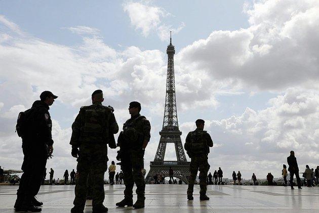 """""""Gilets jaunes"""": les militaires de Sentinelle mobilisés samedi, annonce Griveaux"""