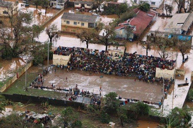 Les miraculés du stade de Buzi, au Mozambique, noyé par le cyclone