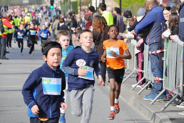 Près d'un millier d'enfants aux foulées scolaires à Alençon