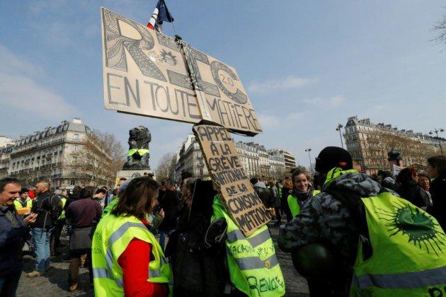 """""""Gilets jaunes"""": 40.500 manifestants en France sans débordement"""