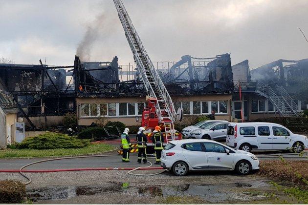Près d'Alençon, un incendie dans un entrepôt de l'association Anais