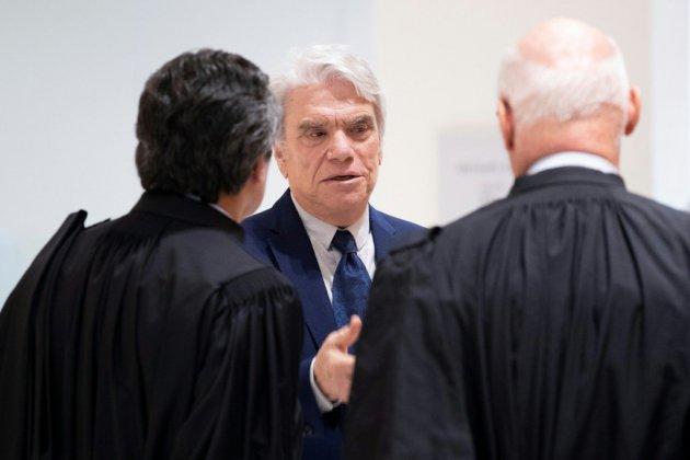 """Arbitrage: 5 ans de prison ferme requis contre Bernard Tapie pour """"escroquerie"""""""