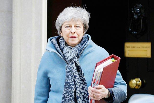 Brexit: May demande un report au 30 juin, Tusk suggère jusqu'à un an