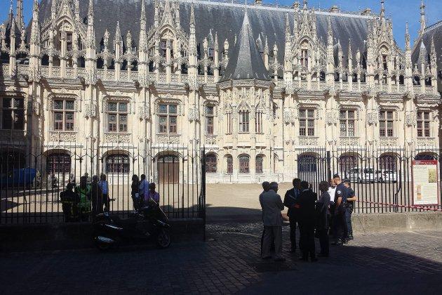 Meurtre d'Élise et Julien à Rouen : la perpétuité requise contre l'accusé