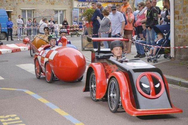 Le lycée Curie-Corot ressuscite la course de voiture à pédales à Saint-Lô