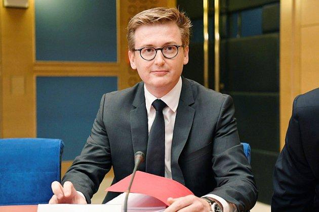 Affaire Benalla: le chef de cabinet de Macron au tribunal pour être entendu par les juges