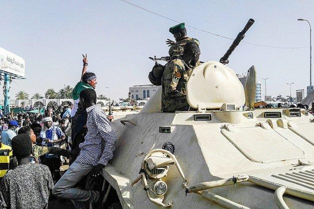 """Soudan: au 5e jour, la foule toujours déterminée à faire """"chuter"""" Béchir"""