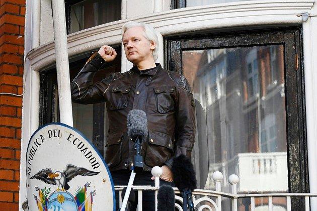Julian Assange arrêté par la police britannique dans l'ambassade d'Equateur