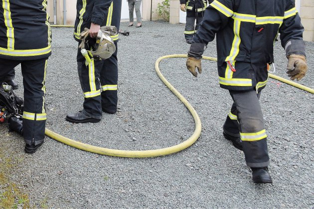 Manche: deux garages en feu, cinq personnes évacuées