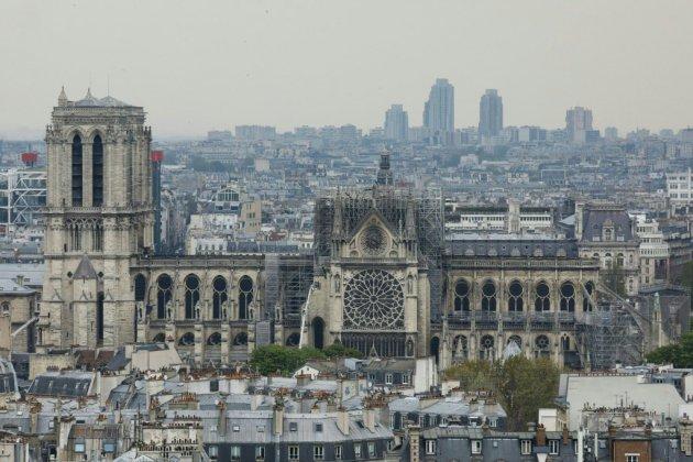 """Notre-Dame : trêve des partis pour les européennes, le temps du """"deuil"""""""