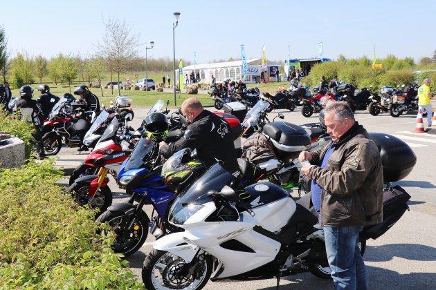Alençon, pause sur la route des 24 heures du Mans moto