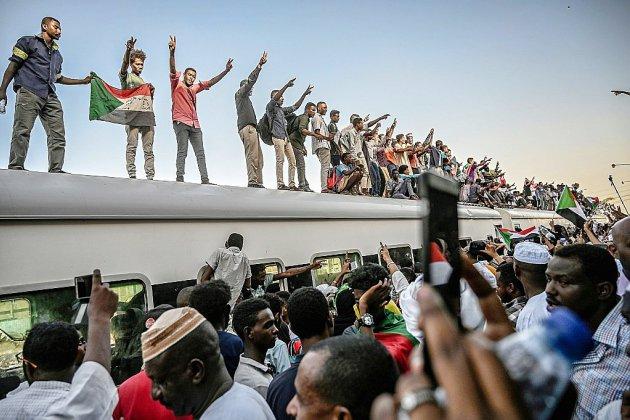 """""""Marche du million"""" prévue à Khartoum pour maintenir sur les militaires"""