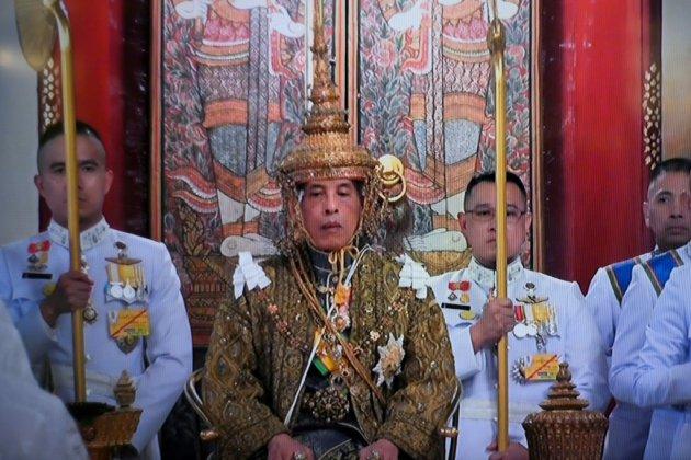 Maha Vajiralongkorn couronné roi de Thaïlande, un symbole de stabilité