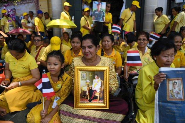 En Thaïlande, grande parade pour le couronnement du roi