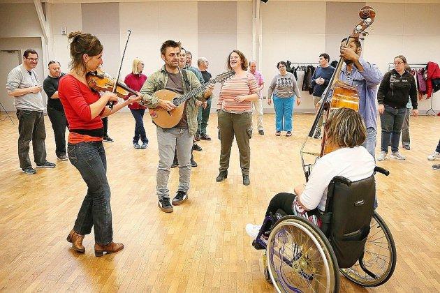 Handicap mental: bal folk ouvert à tous à Damigny