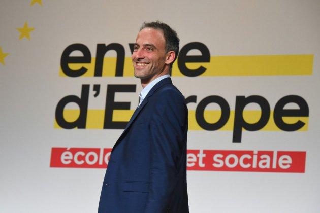 Européennes: Glucksmann s'efforce de relancer sa campagne