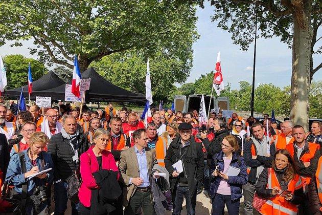 Sucrerie Cagny:mobilisationdevant l'ambassade d'Allemagne à Paris