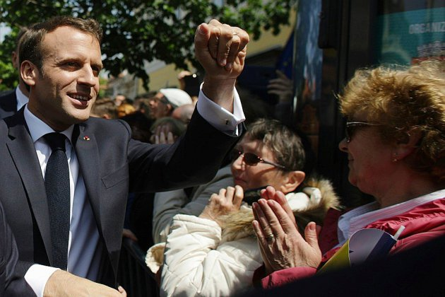 Macron profite d'un sommet européen pour faire campagne