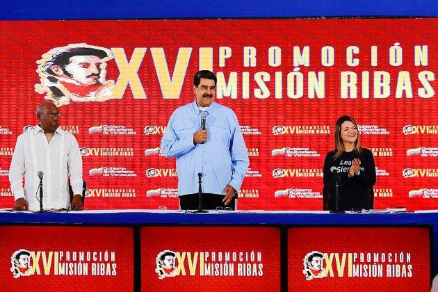 """Maduro accuse son ex-chef du renseignement d'avoir """"coordonné"""" le soulèvement raté"""