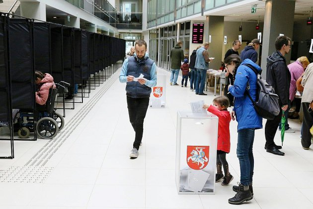La Lituanie, fracturée entre riches et pauvres, élit son président