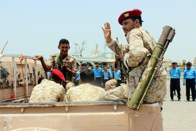 """Le gouvernement yéménite qualifie de """"manipulation"""" le retrait rebelle"""