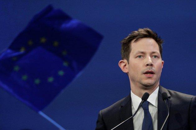 Européennes: à Paris, LR serre les rangs autour de Bellamy