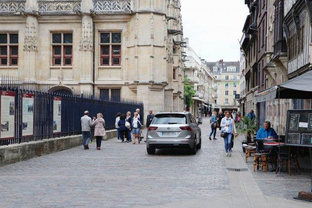 Circulation à Rouen: quelle place pour la voiture?