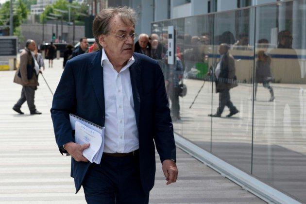 """Injures antisémites contre Finkielkraut: six mois avec sursis requis contre un """"gilet jaune"""""""