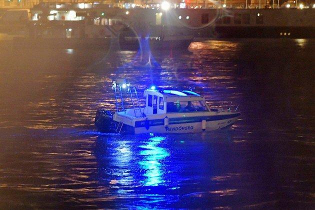 Un bateau de touristes sud-coréens coule à Budapest dans le Danube: 7 morts, 21 disparus