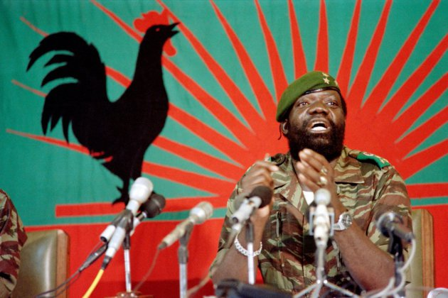 Angola: funérailles publiques pour le chef rebelle Jonas Savimbi, 17 ans après sa mort