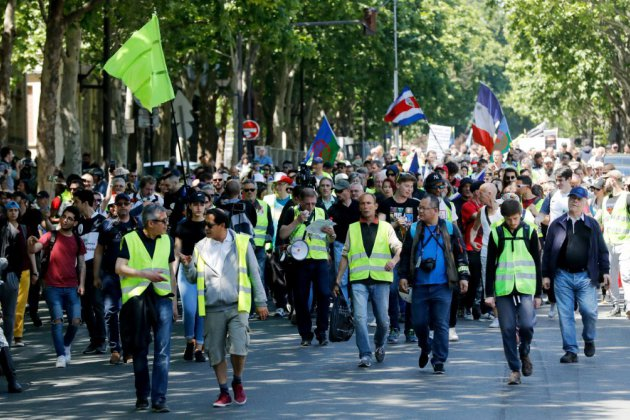 """""""Gilets jaunes"""": quelques milliers de manifestants en France, très faible mobilisation"""