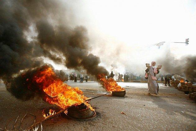 Soudan: l'armée annule ses accords avec les contestataires, annonce des élections